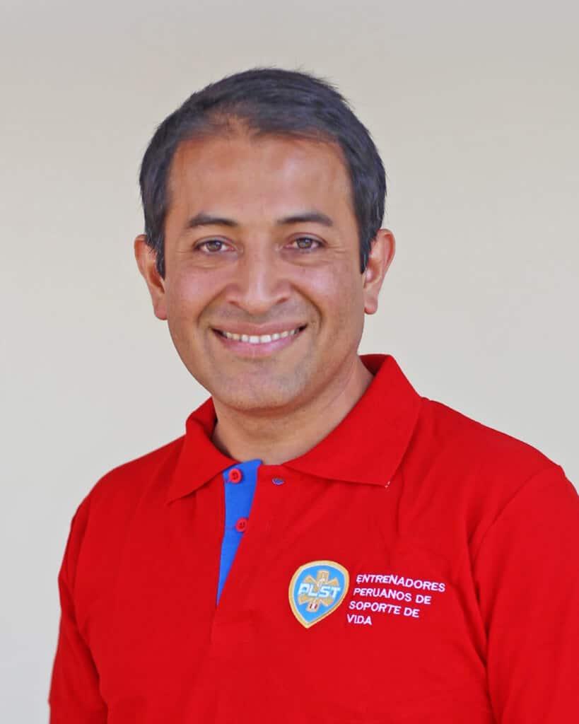 DR. ITALO VASQUEZ