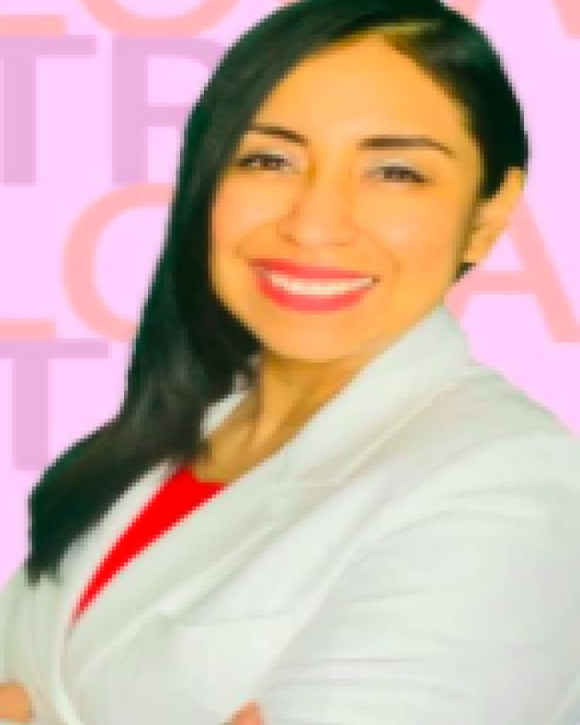 Dra. Carla Apeña Cabrera.
